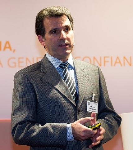 Dr. Antonio Hernández-Jerez <em>(http://www.ugr.es/~ajerez/)</em>