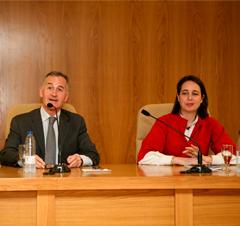 cef-ugr Acto de presentación académica del libro: El Mercado Alternativo Bursátil como alternativa para la financiación de la Empresa Familiar Española.