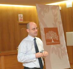 cef-ugr Sesión sobre innovación en la empresa familiar: Reinventar la Empresa.