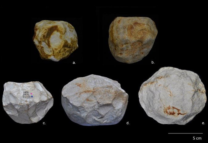 Image of the spheroids found at the Orce site